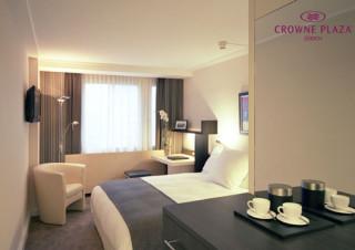 Crowne-Plaza-Zurich-Standard-Room-LOGO